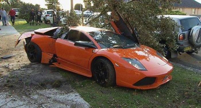 Неудачный тест-драйв Lamborghini Murcielago LP640 за 280 000 долларов (11 фото)