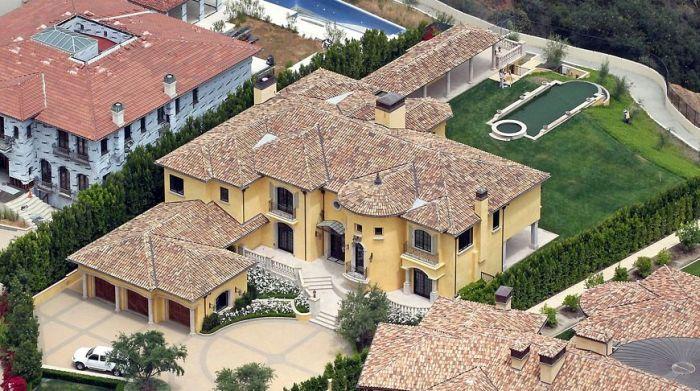 Роскошные дома знаменитостей (18 фото)