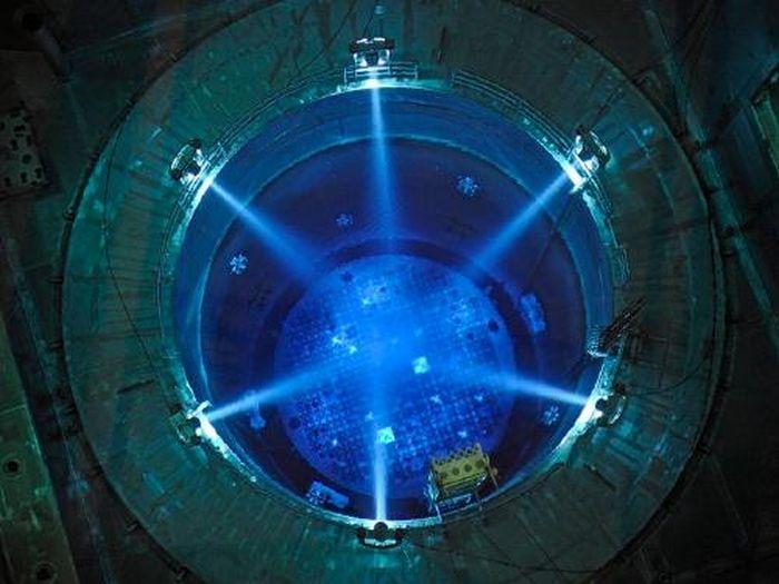 Эффект Вавилова — Черенкова в ядерных реакторах (6 фото)