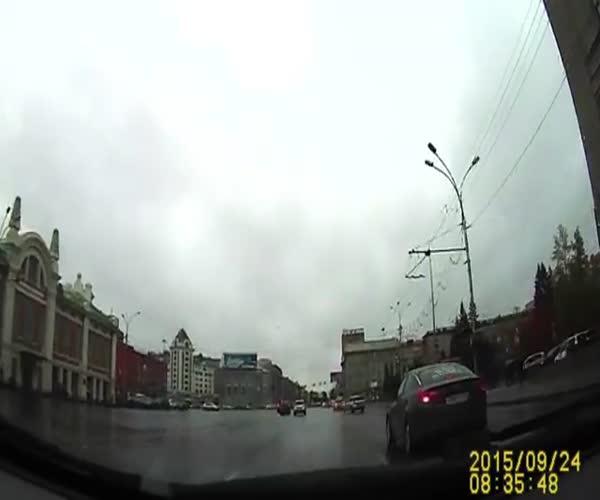 Бегущий баран в центре Новосибирска