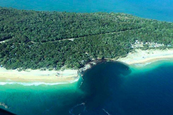 В Австралии провал поглотил пляж с кемпингом (7 фото + видео)