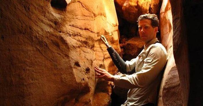 Камень, прижавший руку альпиниста Арона Ли Ралстона (4 фото)