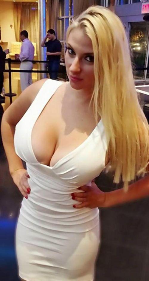 Американская спортсменка Бри-Энн Руссилло пожаловалась на большую грудь (4 фото)