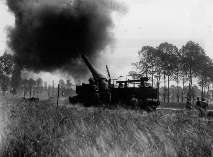 Железнодорожные орудия минувшей эпохи (15 фото)
