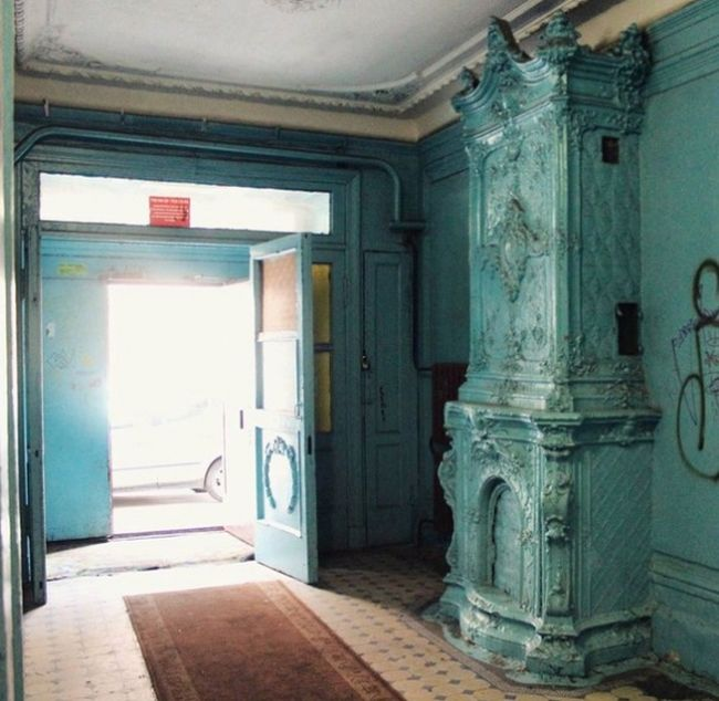Камины и печи в старинных домах Санкт-Петербурга (20 фото)