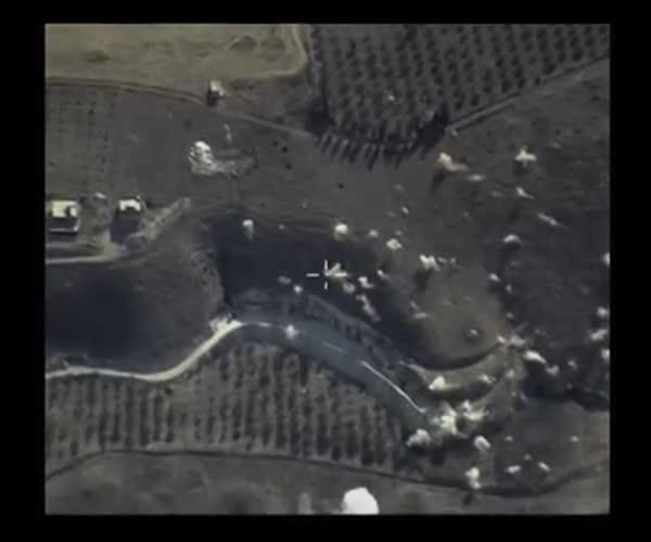 Появились кадры авиударов по позициям «Исламского государства»