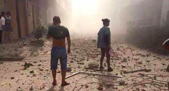 В Китае взорвались 17 бомб, находившихся внутри посылок (13 фото)