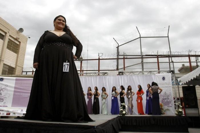 Конкурсы красоты среди женщин-заключенных (27 фото)