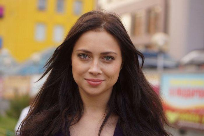 Звезда сериала «Универ» Настасья Самбурская имела интимную связь со школьником (10 фото)