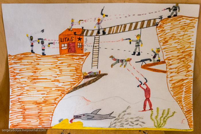 Законсервированный поселок Пирамида на норвежском архипелаге Шпицберген (40 фото)