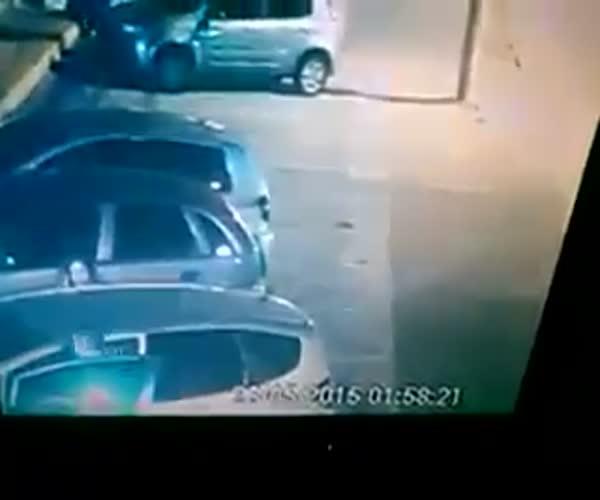 Грабители напоролись на полицейского