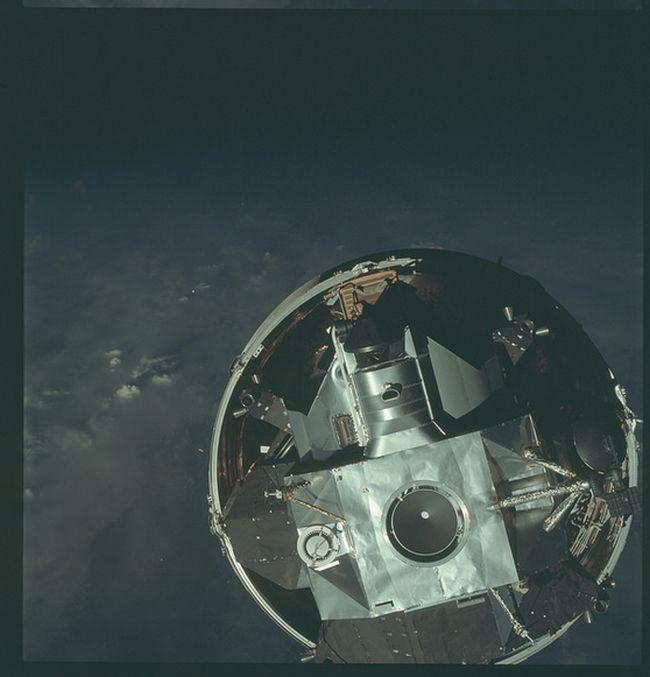 NASA опубликовало редкие фотографии Луны (36 фото)