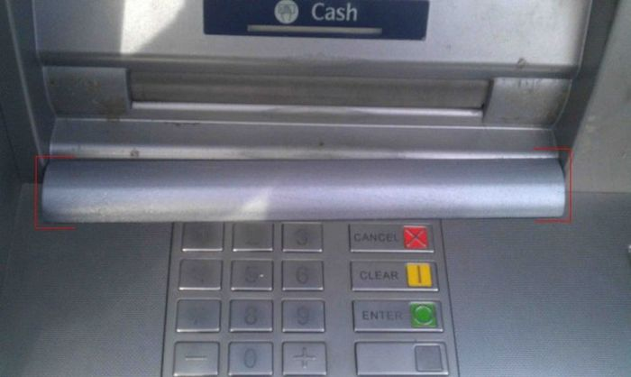 Мошенники освоили новый способ обмана с банкоматами (4 фото)
