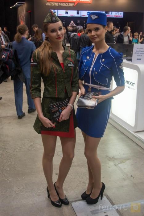 Девушки-модели на фестивале «ИгроМир 2015» и Comic Con Russia (38 фото)