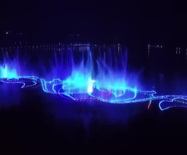 В Грозном открыли самый большой в мире фонтан