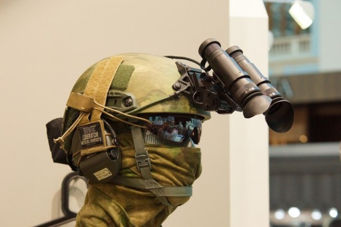 В Москве прошла выставка оружия ARMS & Hunting 2015 (26 фото)