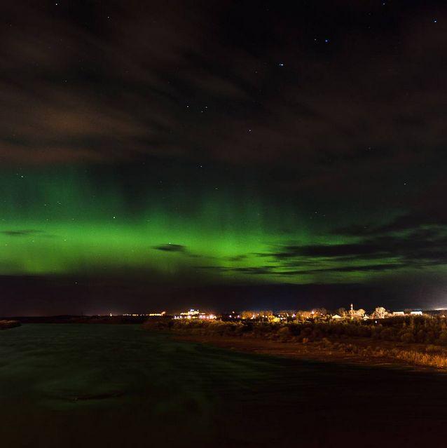 Северное сияние озарило небо над российскими городами (13 фото)
