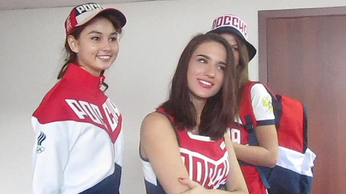 Руководство ОКР одобрило предварительный вариант формы российских спортсменов на Олимпиаде в Рио-де-Жанейро (3 фото)