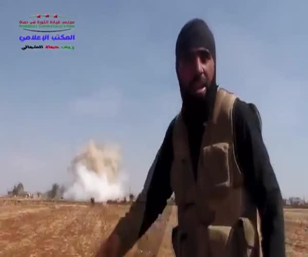 Боевик ИГИЛ явно возмущен недавним авиаударом