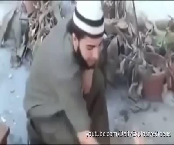 Взрывоопасные лепешки от сирийского боевика