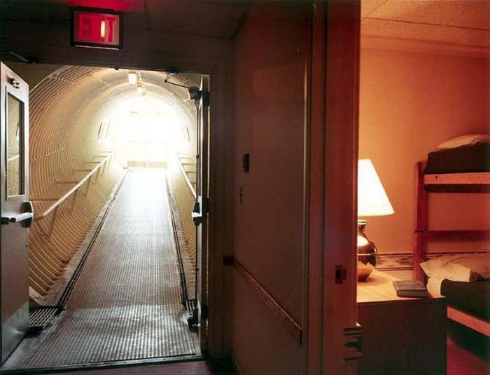 Американский подземный город в горе Шайенн (48 фото)