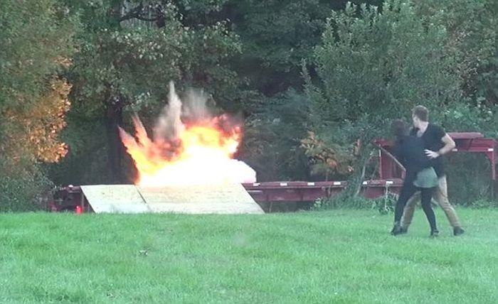 Жестокий пранк Романа Этвуда с взрывающимся квадроциклом и ребенком (4 фото + видео)