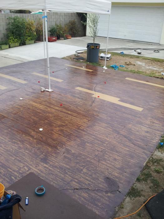 Бетонная площадка, выкрашенная под дерево (24 фото + видео)