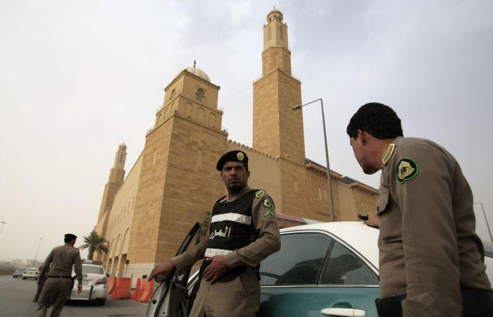 Суровые законы и строгие наказания Саудовской Аравии (8 фото)