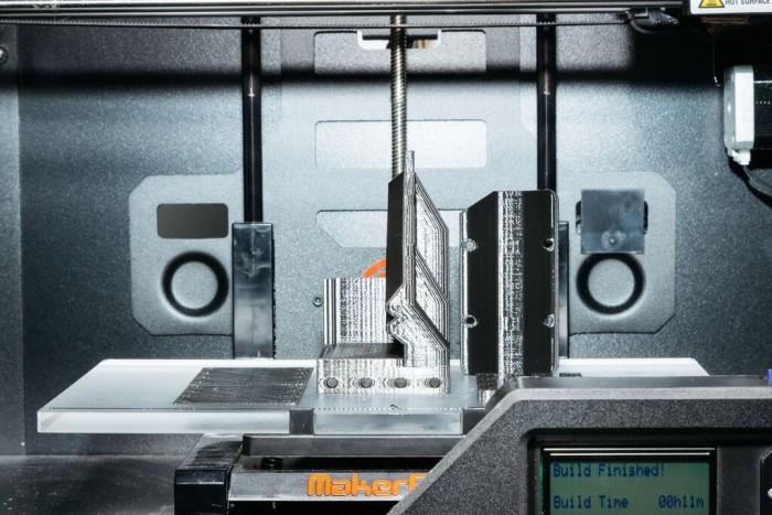 Лаборатория Apple для тестирования прототипов новых устройств (12 фото)