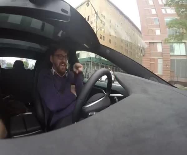 Автопилот компании Tesla в действии