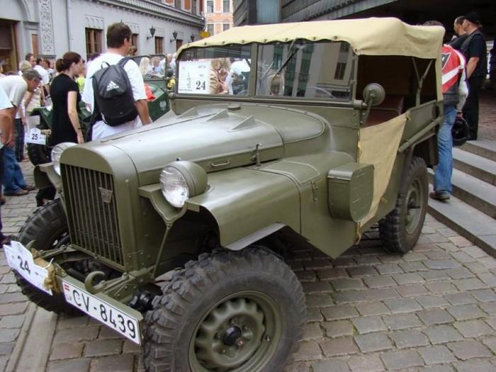 Эволюция армейских внедорожников с 1938 года и до наших дней (28 фото)