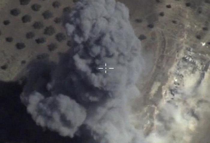 Бегущие боевики «Исламского государства» массово сбривают бороды (2 фото)