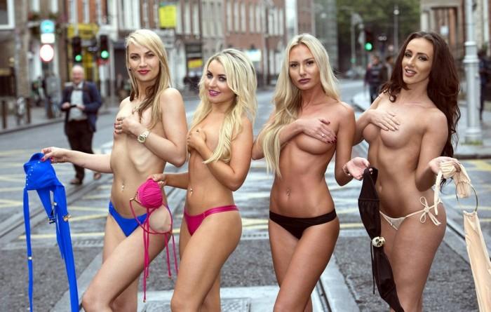 Участницы конкурса «Мисс бикини Ирландия» в уличном топлес-фотосете (12 фото)