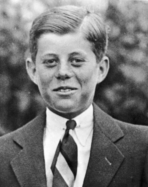 Известные личности в детстве и молодости (29 фото)