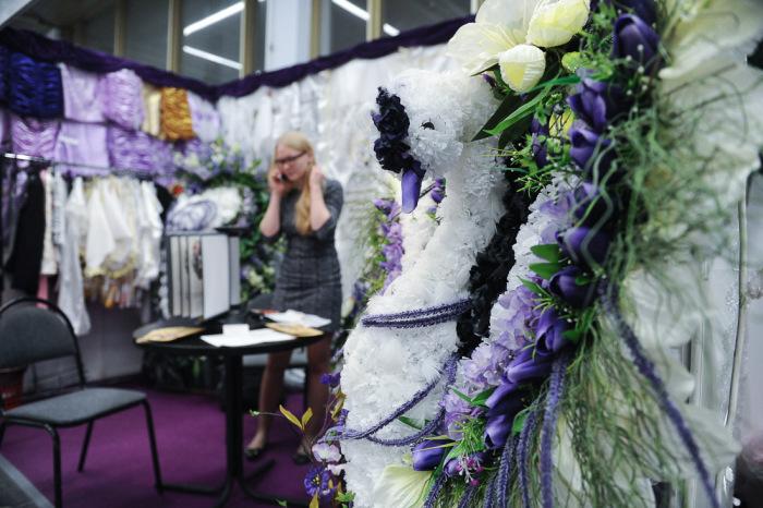 Выставка похоронной моды в Москве (50 фото)