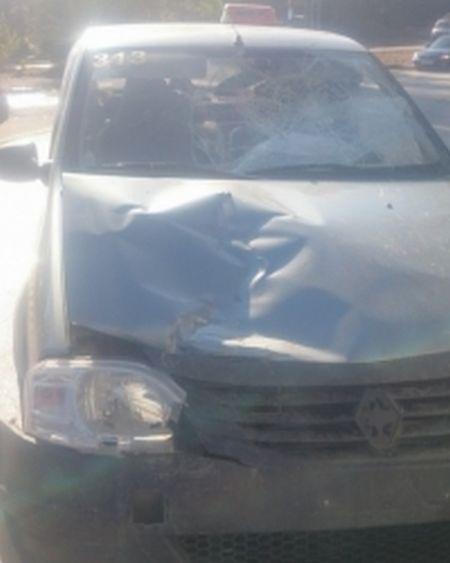 Нетрезвая многодетная мать угнала такси и совершила тройное ДТП (2 фото)