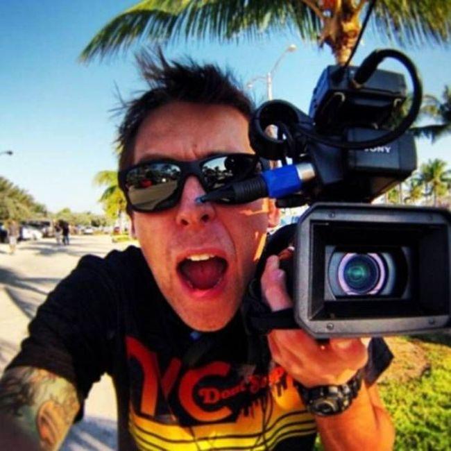 Самые богатые видеоблогеры (10 фото)