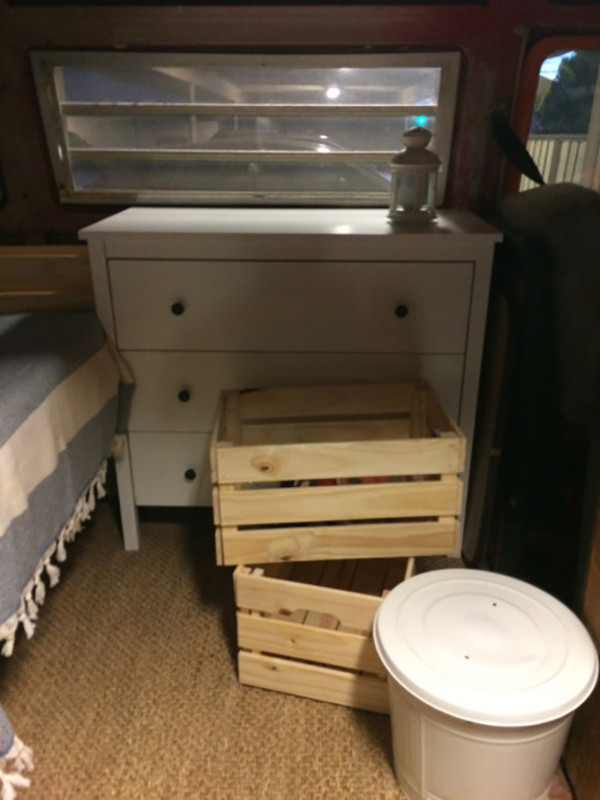 Из-за высокой стоимости жилья в Кремниевой долине девушка-программист вынуждена жить в фургоне (8 фото)