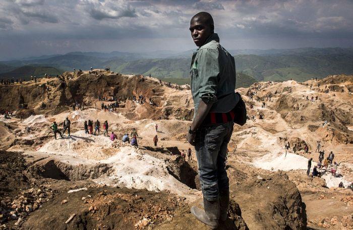 Добыча колтана в Конго (21 фото)