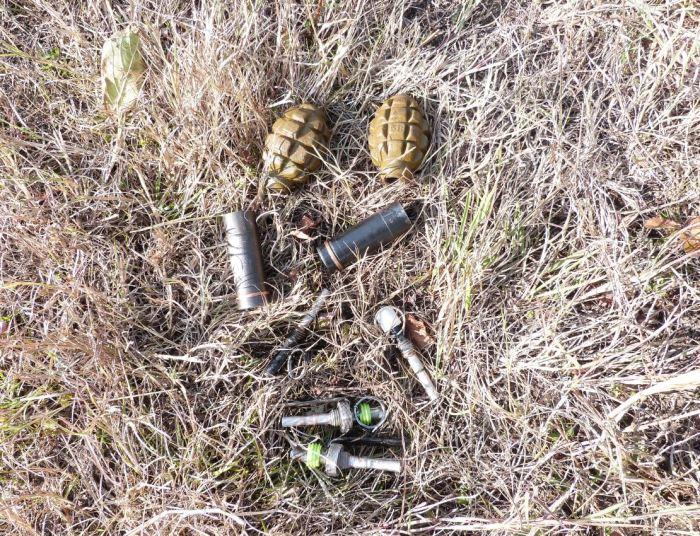 Лесная обитель уничтоженных боевиков (18 фото)