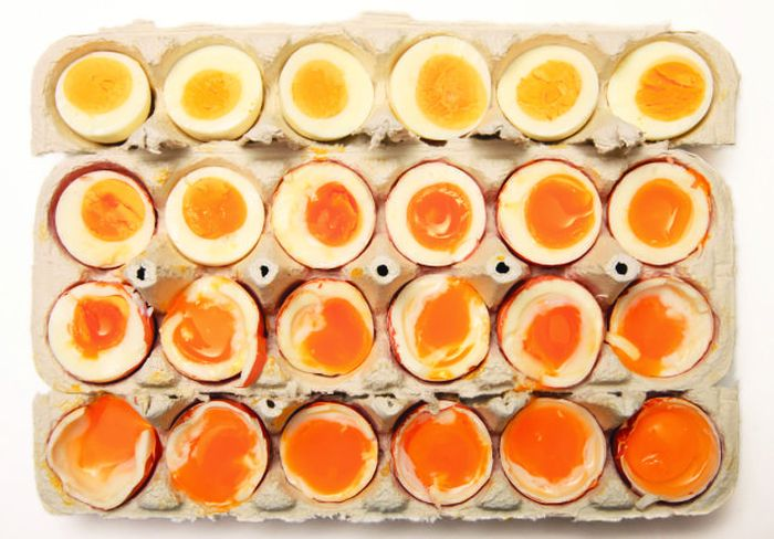Американский шеф-повар нашел способ идеальной варки яиц (2 фото)