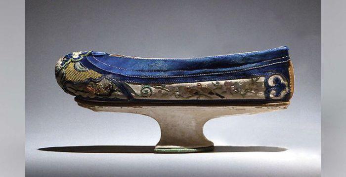 Чопины - прародители современной обуви на платформе (14 фото)