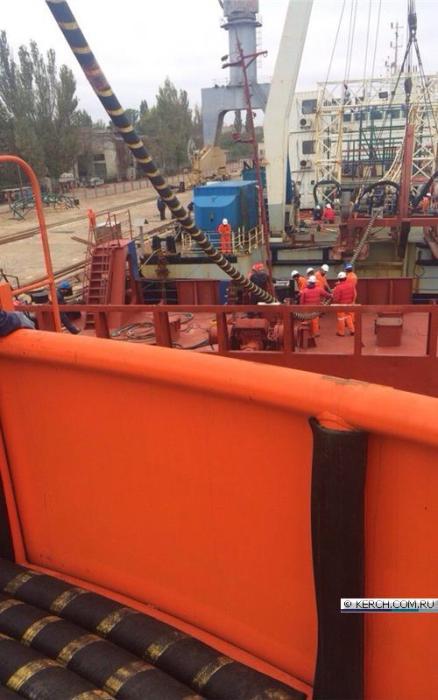 В сети появились фото кабеля крымского энергомоста (10 фото)