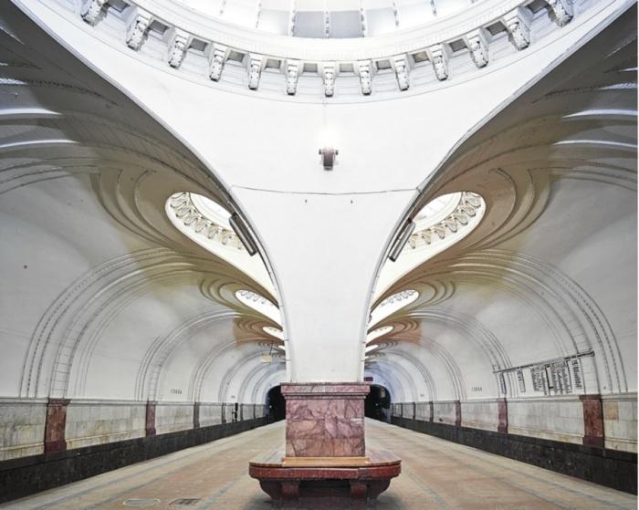 Красота российского метро на фото Дэвида Бурдени (8 фото)