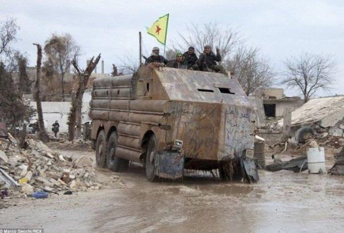 Самодельные бронемашины из Сирии (11 фото)
