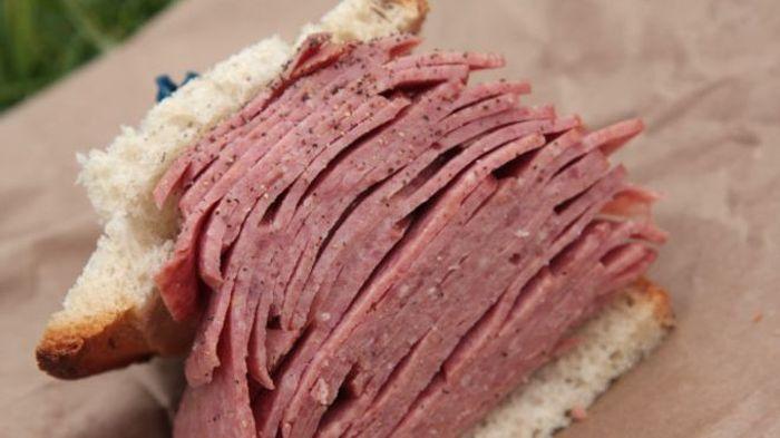 ВОЗ считает, что готовые к употреблению мясные продукты увеличивают риск заболевания раком (3 фото + текст)