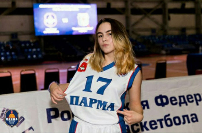 Как российские баскетболисты помогли больной девочке (5 фото)