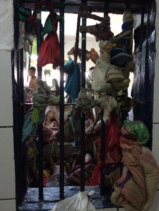 Типичные бразильские тюрьмы (13 фото)