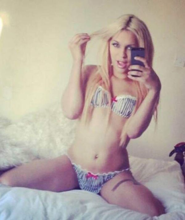 В Великобритании пышногрудую блондинку-трансгендера посадили в мужскую тюрьму (5 фото)