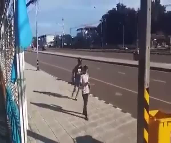 Похититель-недотепа лишился скутера